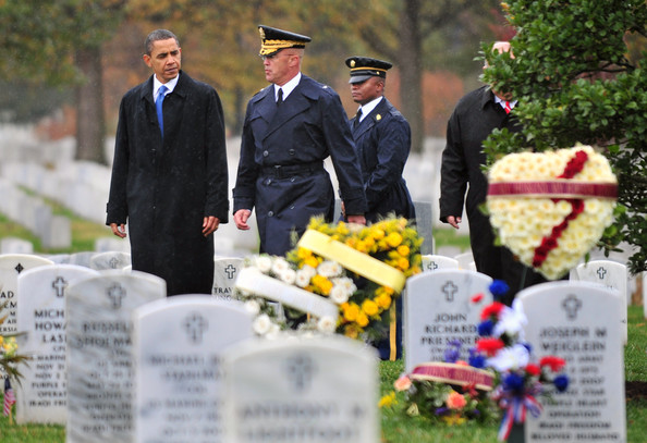 Wreath+Laying+Tomb+Unknowns+Commemorates+Veterans2